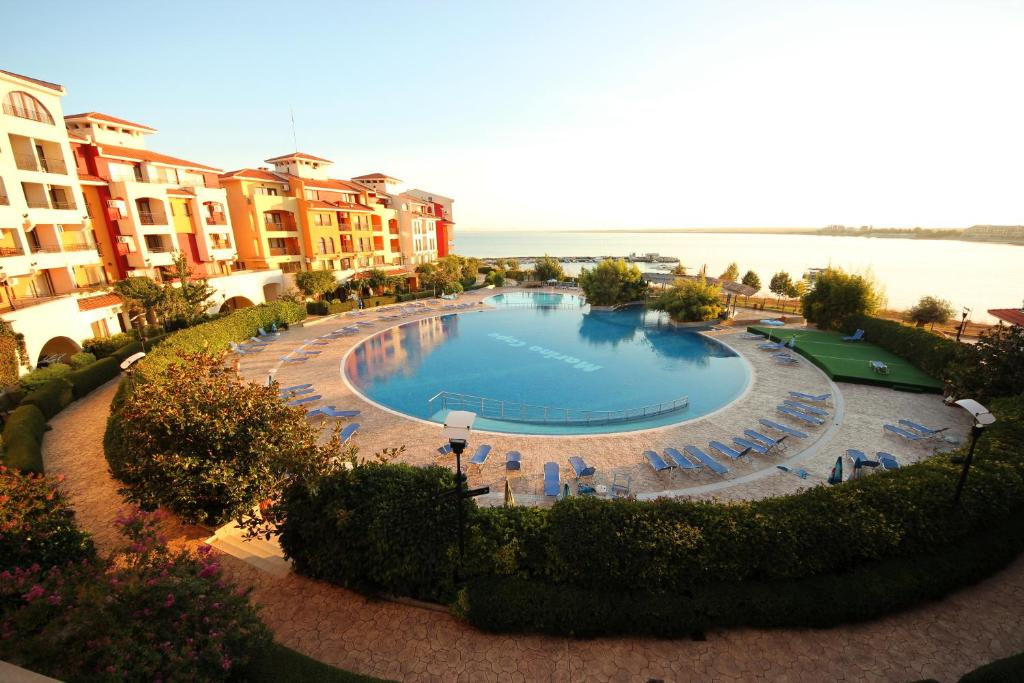 A view of the pool at Menada Apartments in Marina Cape or nearby