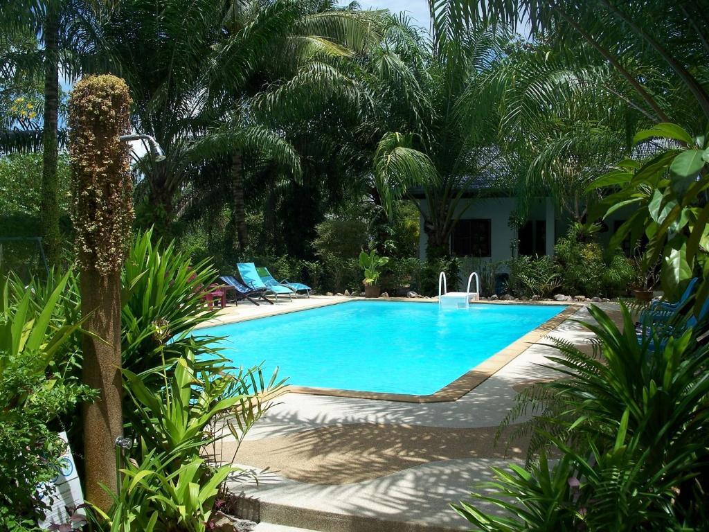 Бассейн в Sabai Resort или поблизости