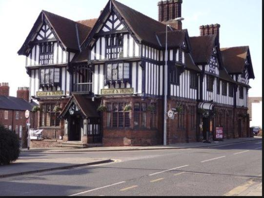 George and Dragon - Laterooms