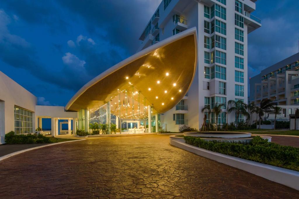 CDMX, Guadalajara, Cancún, Acapulco y Mazatlán son los destinos más reservados por los mexicanos para el 15 de septiembre