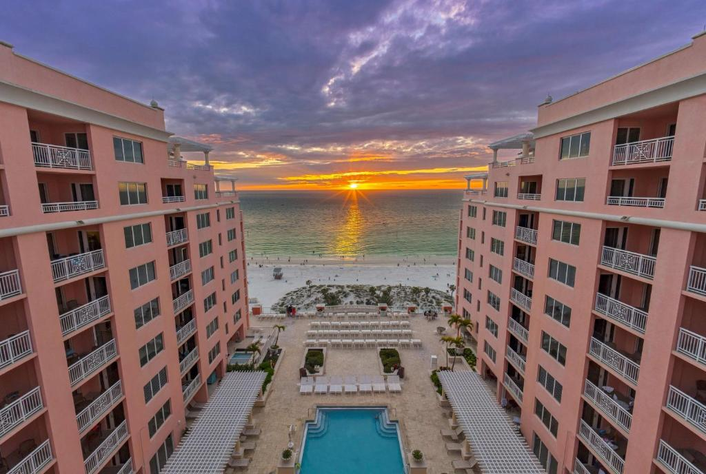 A view of the pool at Hyatt Regency Clearwater Beach Resort & Spa or nearby