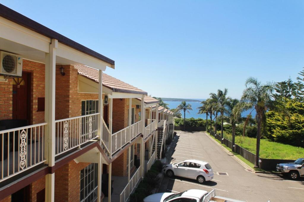 A balcony or terrace at Twofold Bay Motor Inn