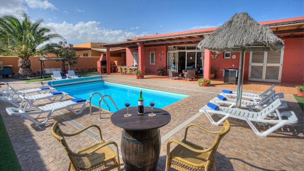 Basen w obiekcie Villa Romana Golf Resort lub w pobliżu