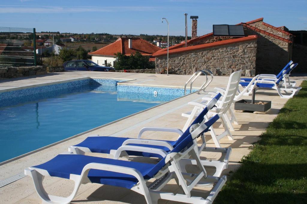 The swimming pool at or near Quinta de la Barandica