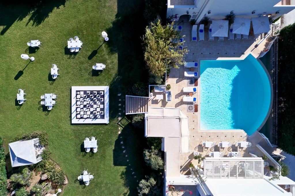 Вид на бассейн в Lagos Mare Hotel или окрестностях