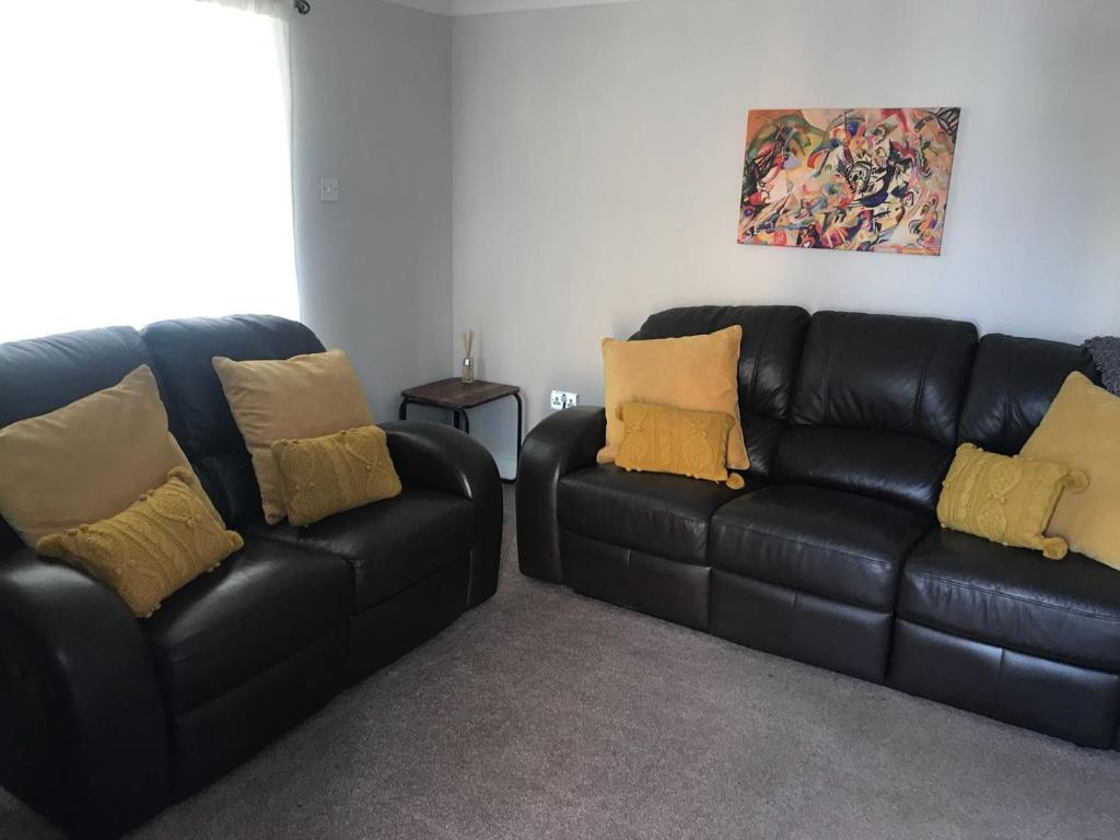 A seating area at Beautiful Byewaters sleeps 5 free parking