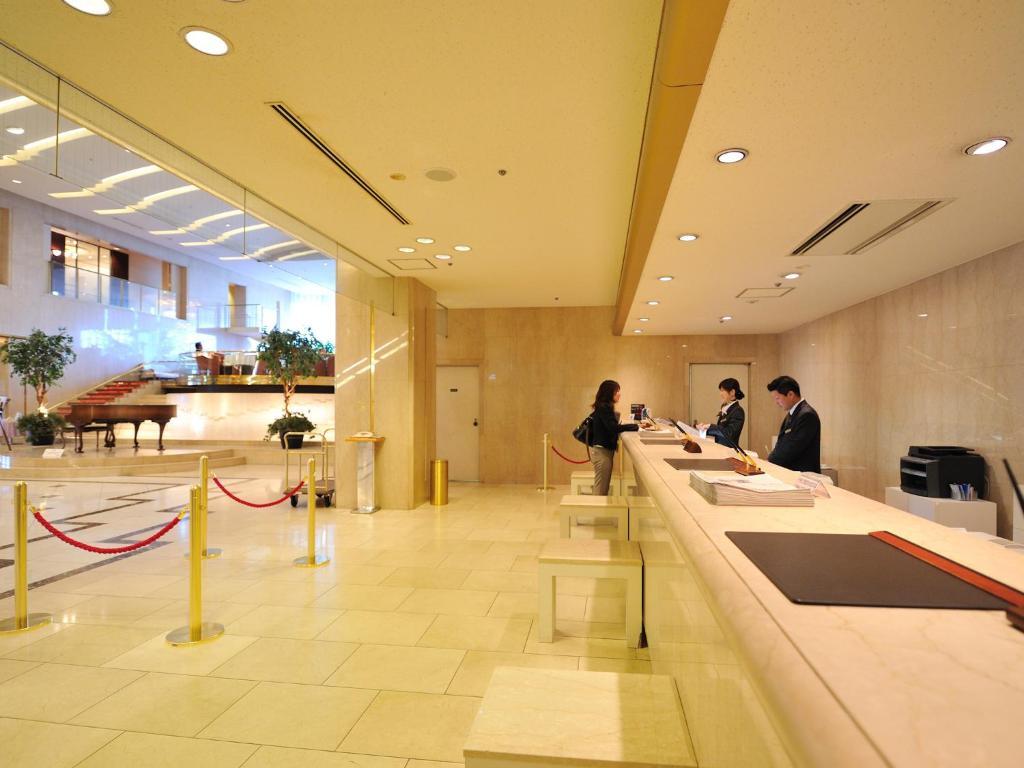 The lobby or reception area at Hotel Granvia Hiroshima