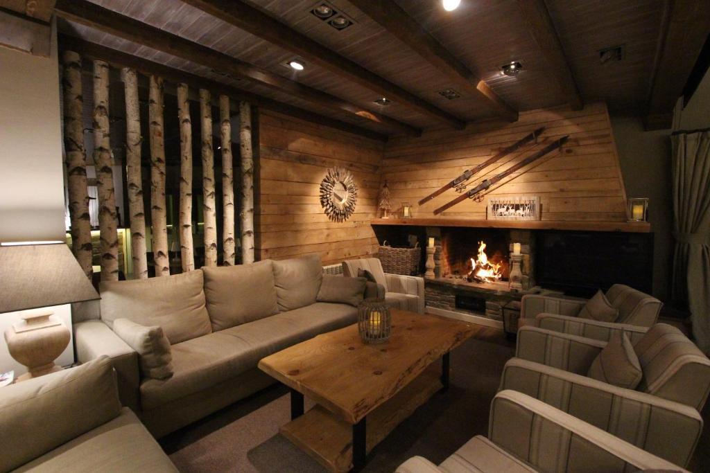 Eira Ski Lodge