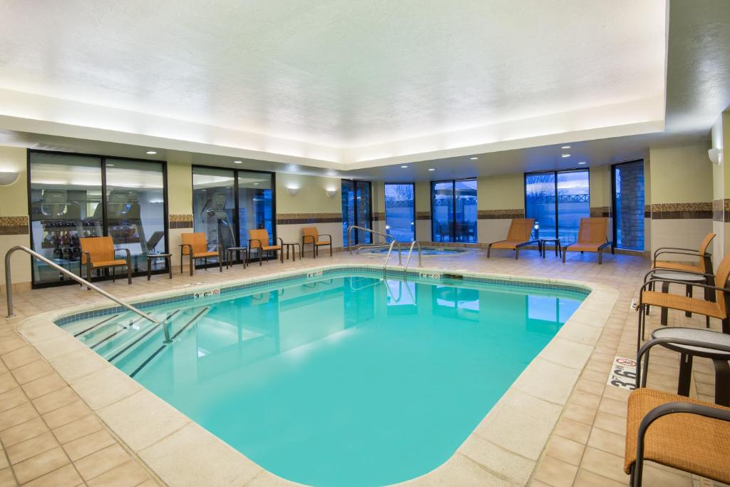 The swimming pool at or near Courtyard Springfield Airport