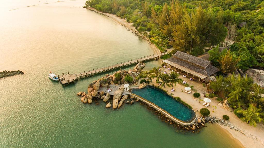 Vue panoramique sur l'établissement L'Alya Ninh Van Bay