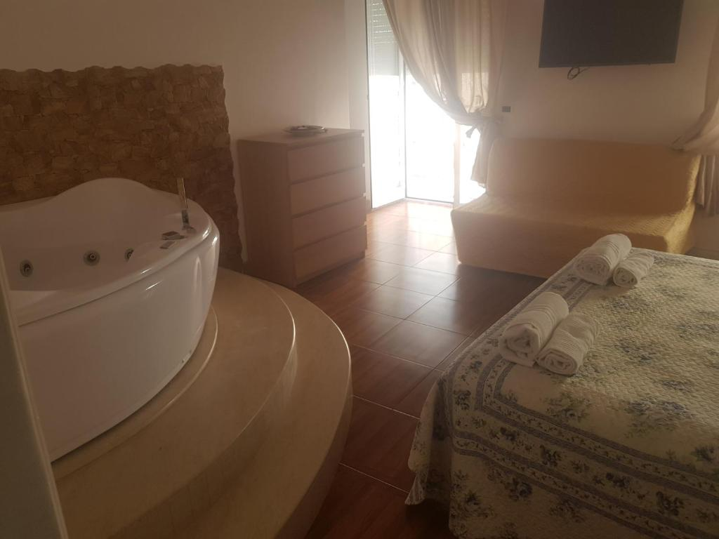 A bathroom at Arco di Chiaia
