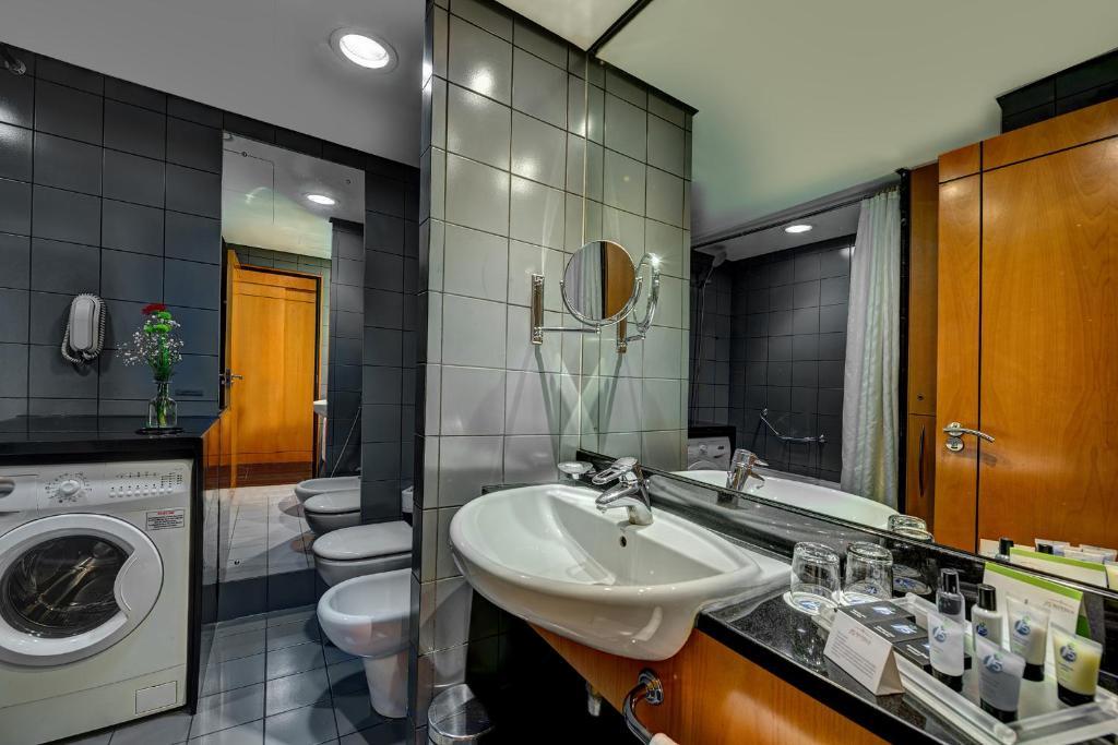 Ванная комната в J5 Hotels – Port Saeed