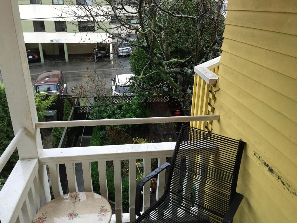 A balcony or terrace at Barclay House Bed and Breakfast
