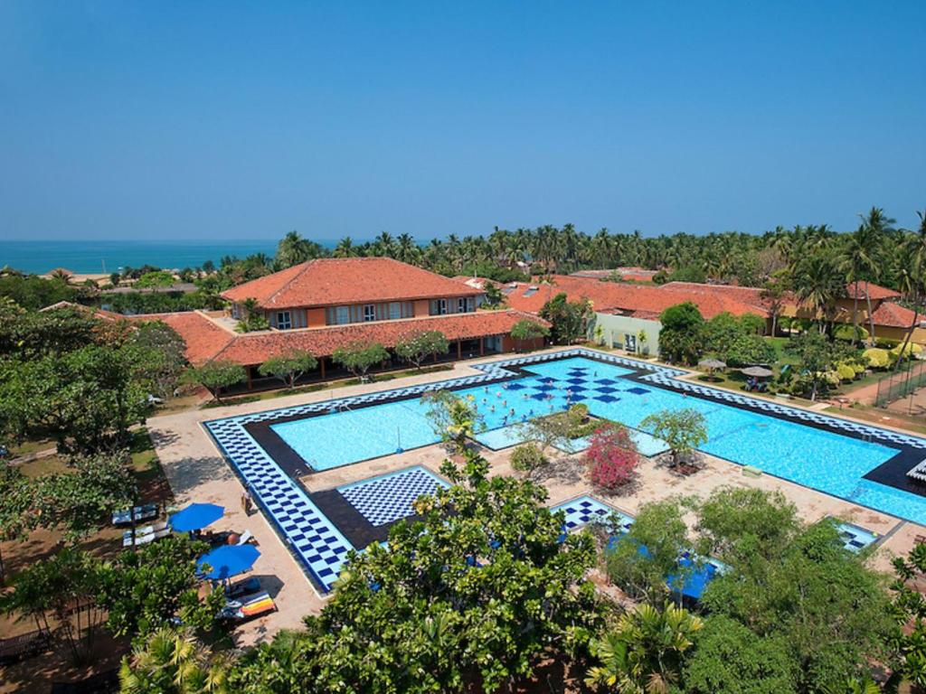 A view of the pool at Club Palm Bay or nearby