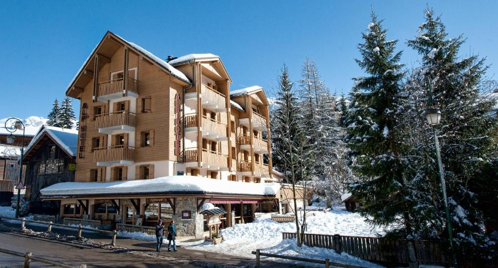 Alp'Hotel during the winter