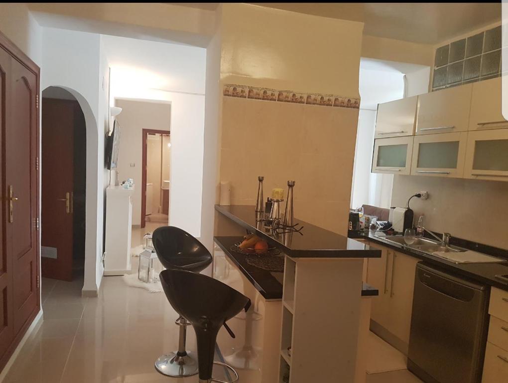 A kitchen or kitchenette at Appartement Alger urba new