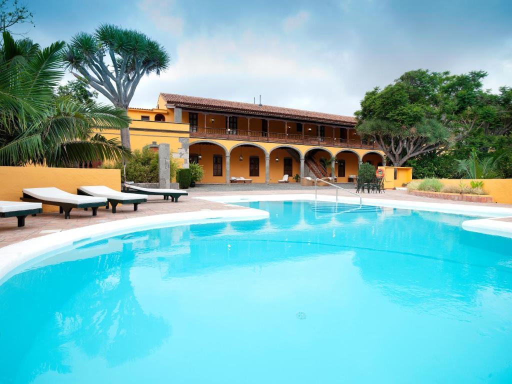 Het zwembad bij of vlak bij Hotel Rural Hacienda del Buen Suceso