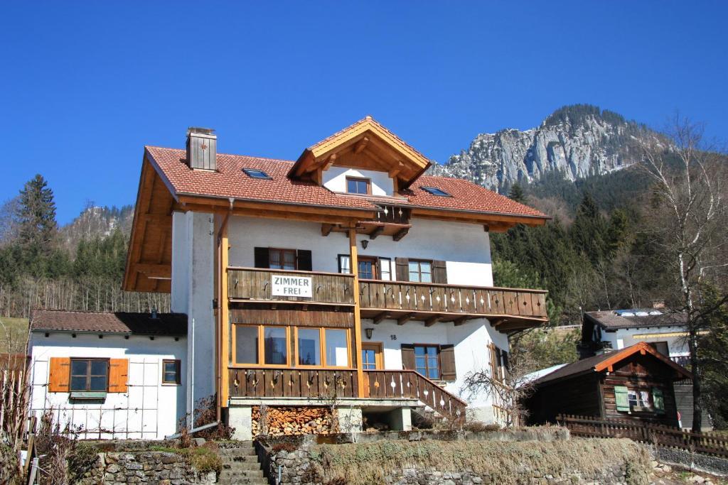 Gästehaus ALPENROSE im Winter