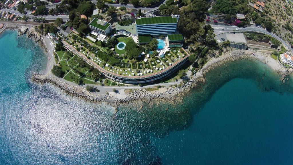 A bird's-eye view of Grand Hotel Del Mare Resort & Spa