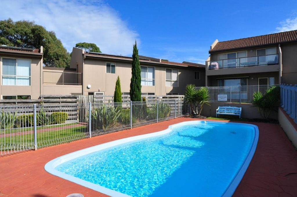 The swimming pool at or near THE ESPLANADE 4 - FREE WIFI & FOXTEL INCLUDED