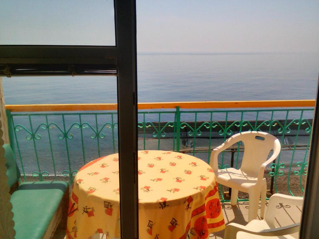 "Балкон или терраса в Gostievoi dom ""Dzhielip"""