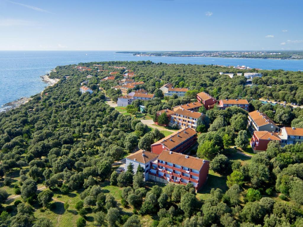 A bird's-eye view of Lanterna Sunny Resort by Valamar