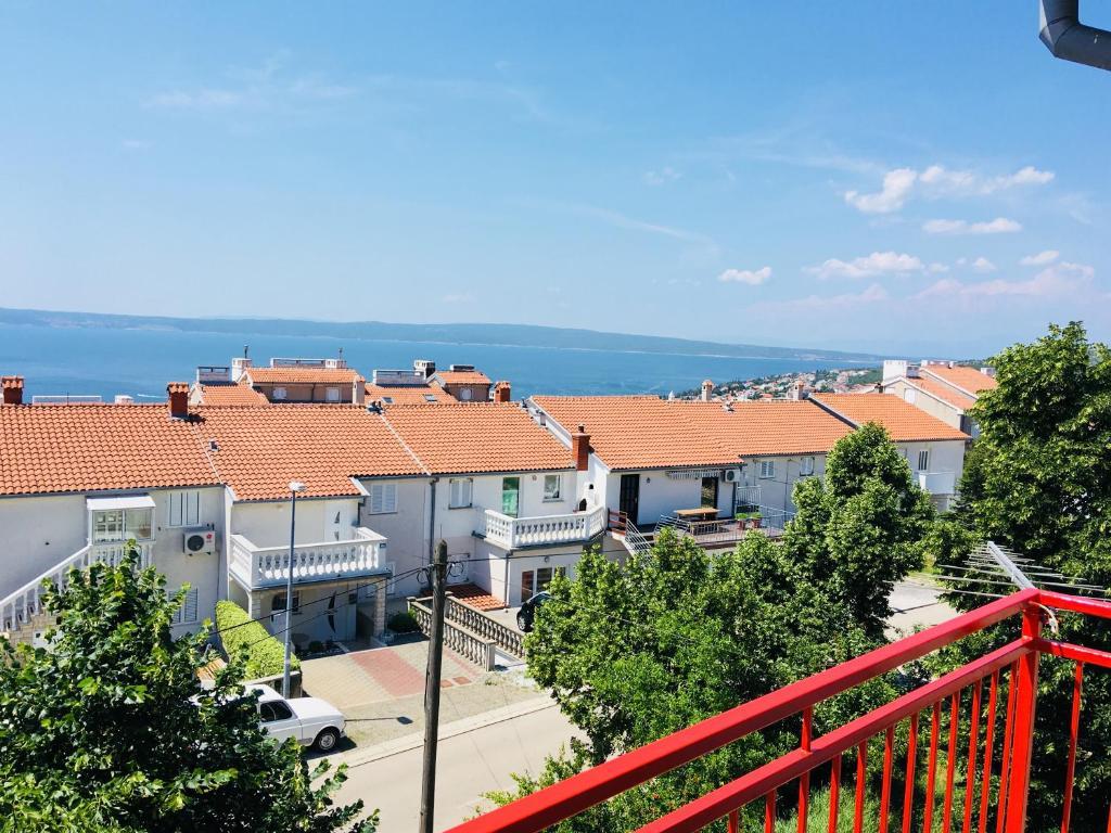 Datoteka:Novi vinodolski - san marino island - panoramio.jpg