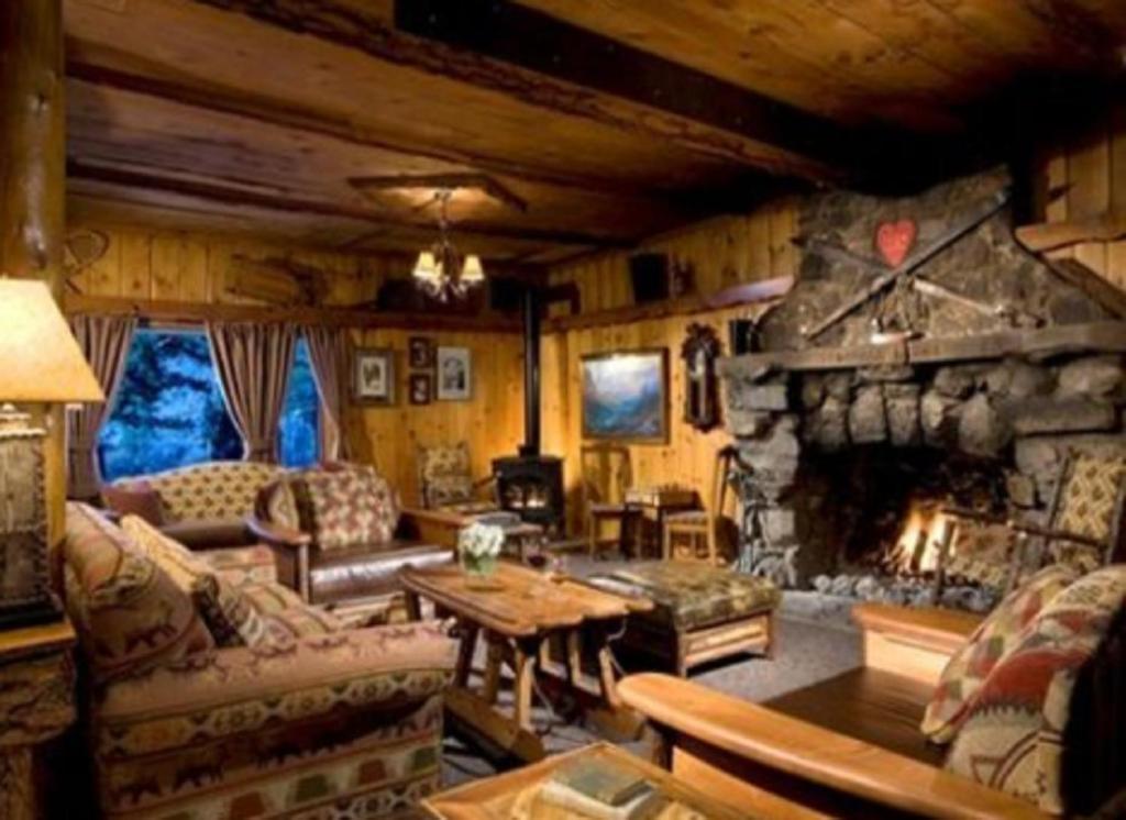 A seating area at Tamarack Lodge
