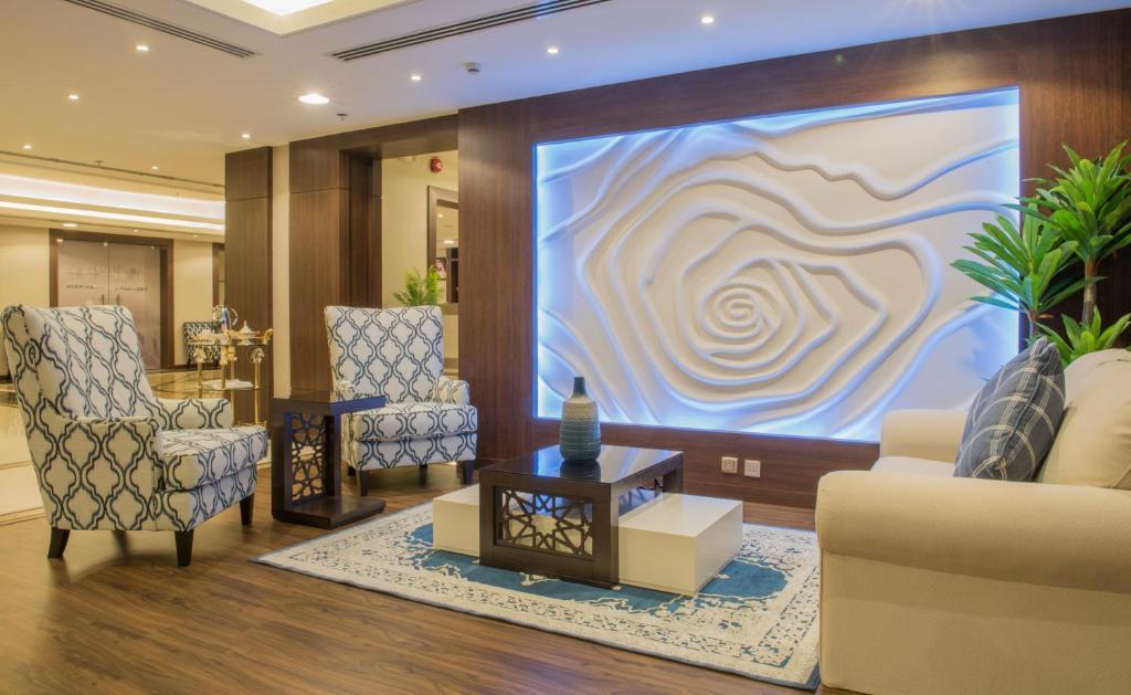 O saguão ou recepção de Normina Hotel Suites