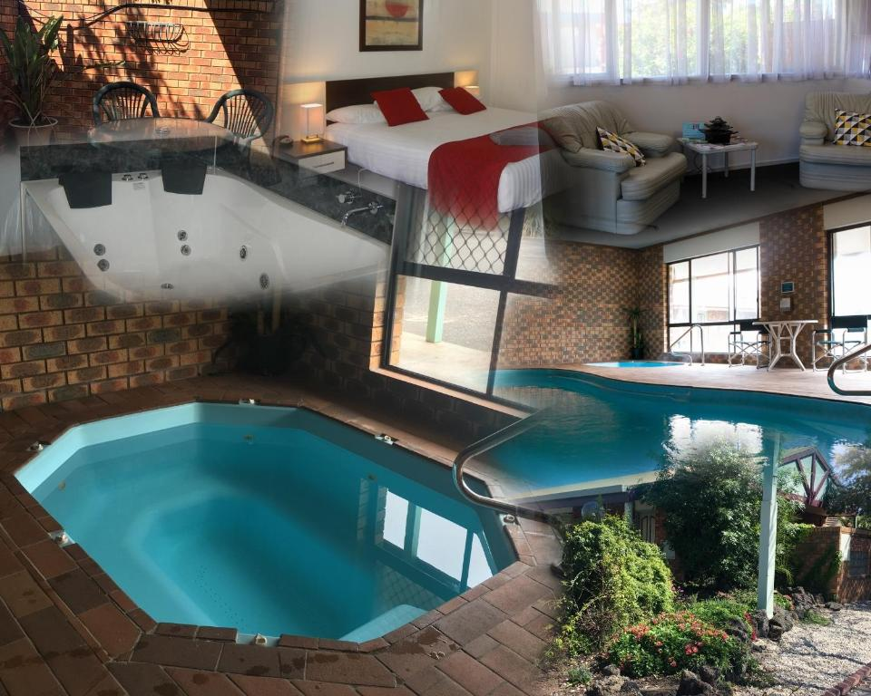 The swimming pool at or near Horsham Mid City Court Motel