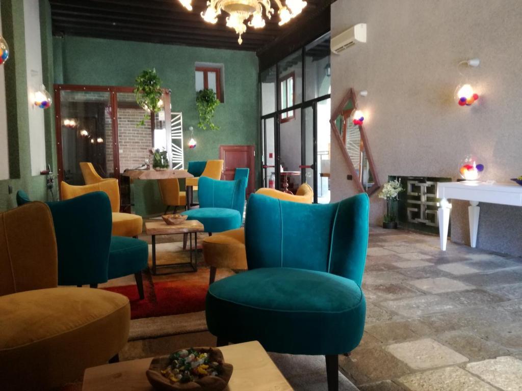 The lounge or bar area at Locanda La Corte