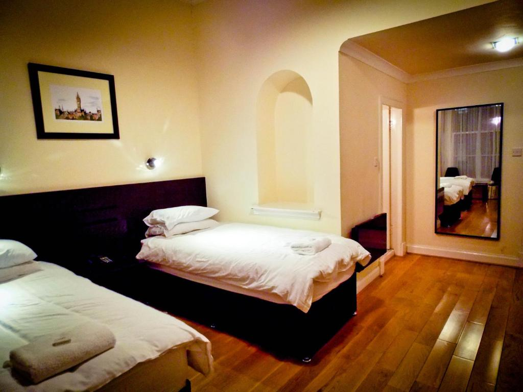 The Victorian House Hotel - Laterooms