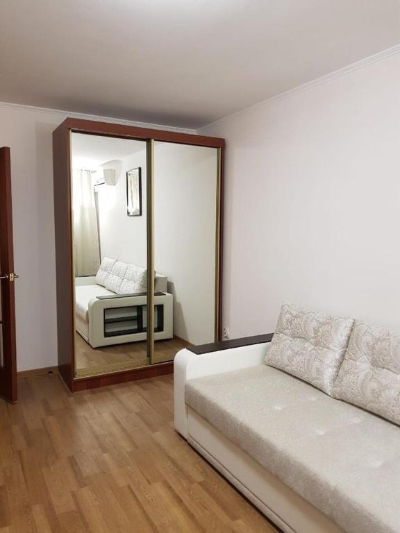 A seating area at Apartment on Tomashevskiy Tupik