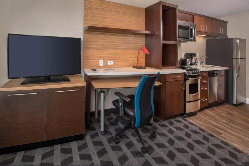 A room at the TownePlace Suites by Marriott Altoona.
