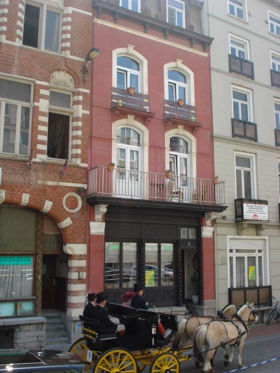 Das Gebäude in dem sich das Bed & Breakfast befindet