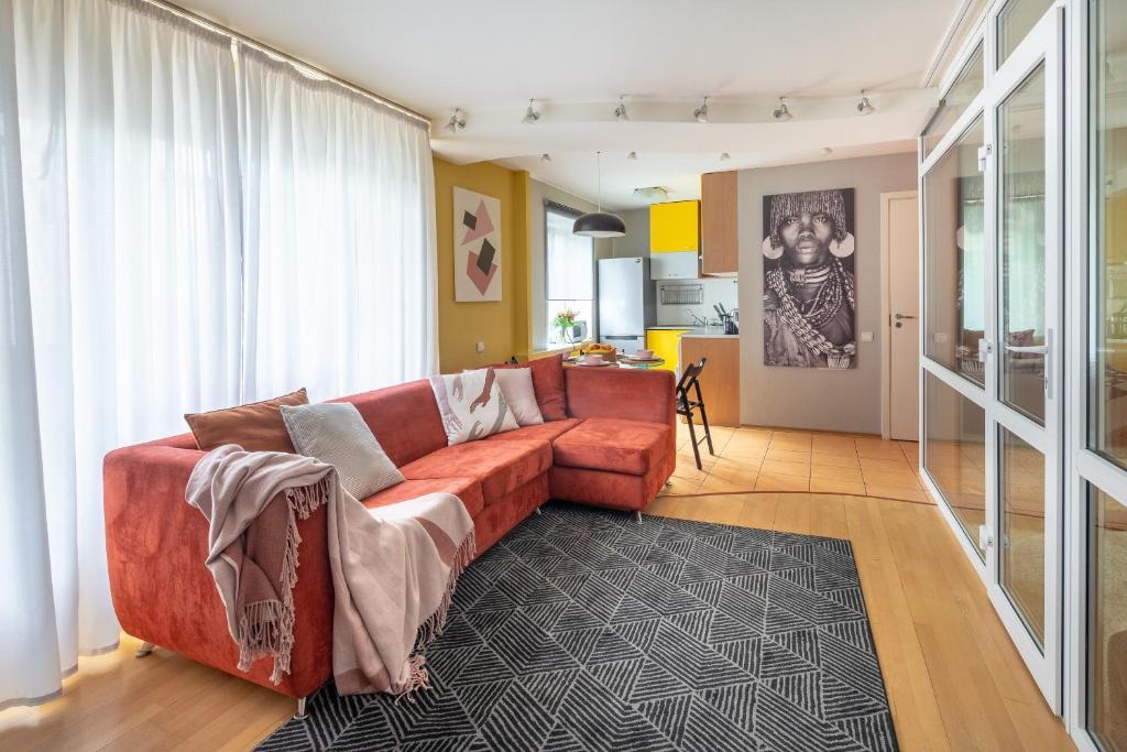 Гостиная зона в Bolshaya Pokrovskaya str. 75 apartment 18