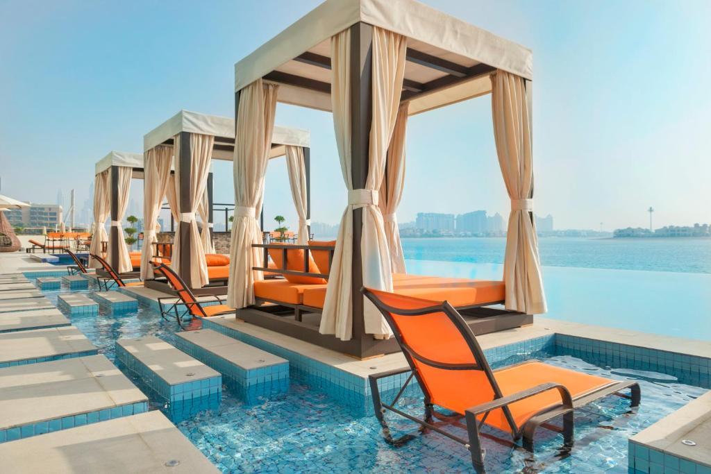 Bazén v ubytování Royal Central Hotel The Palm nebo v jeho okolí