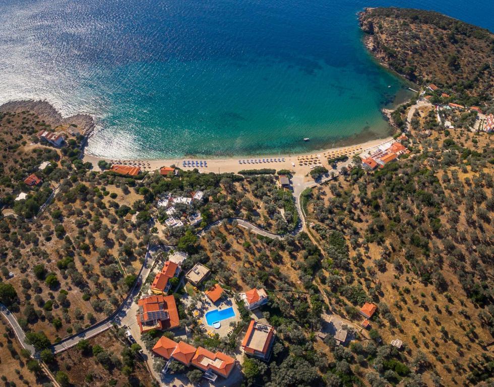 Άποψη από ψηλά του Limnionas Bay Village Hotel