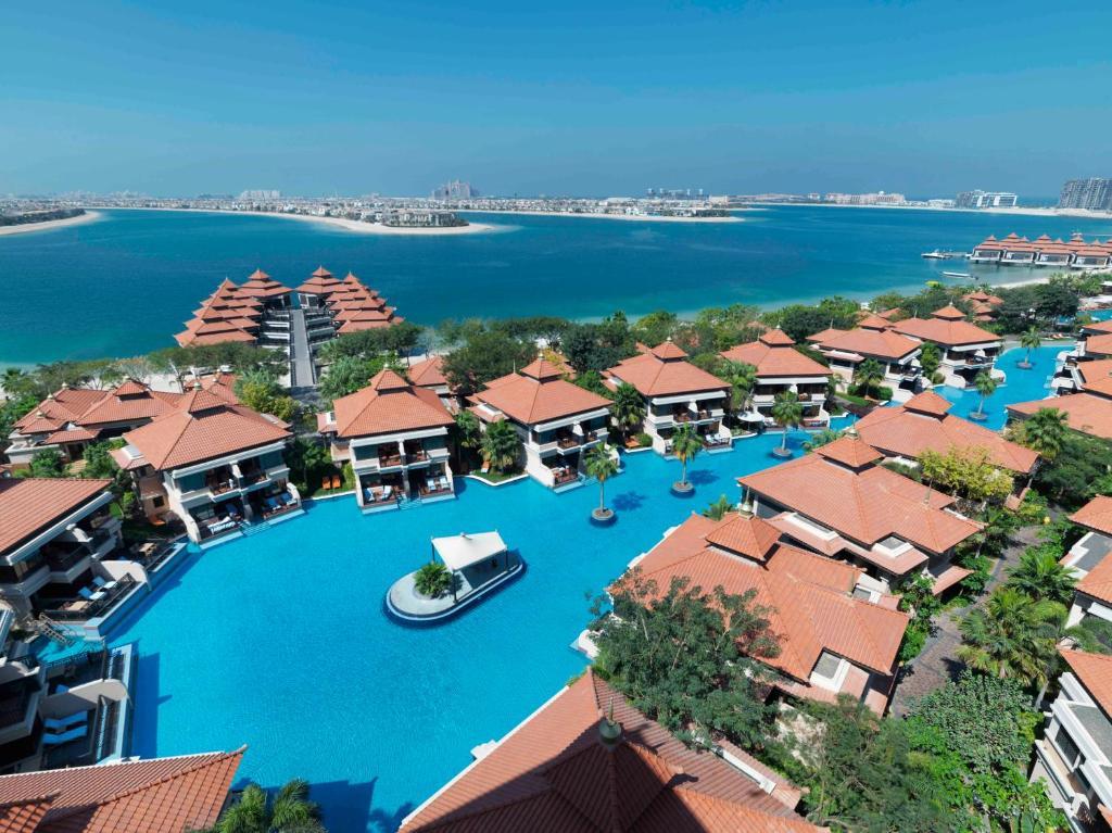 منظر منتجع وسبا نخلة دبي بإدارة أنانتارا من الأعلى