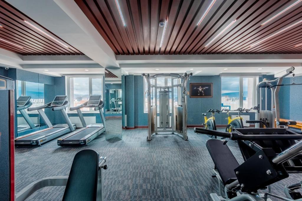 Gimnasio o instalaciones de fitness de Grand Hill Hotel Ulaanbaatar