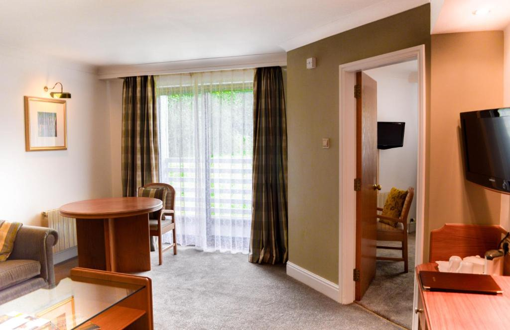 Foxfields Country Hotel - Laterooms