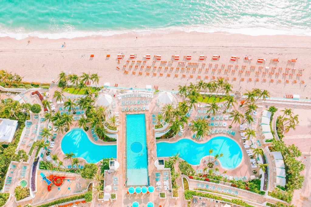 A view of the pool at The Diplomat Beach Resort Hollywood, Curio Collection by Hilton or nearby