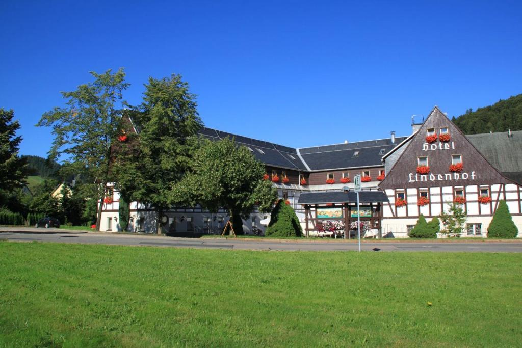 Naturhotel Lindenhof Rechenberg-Bienenmuhle, Germany