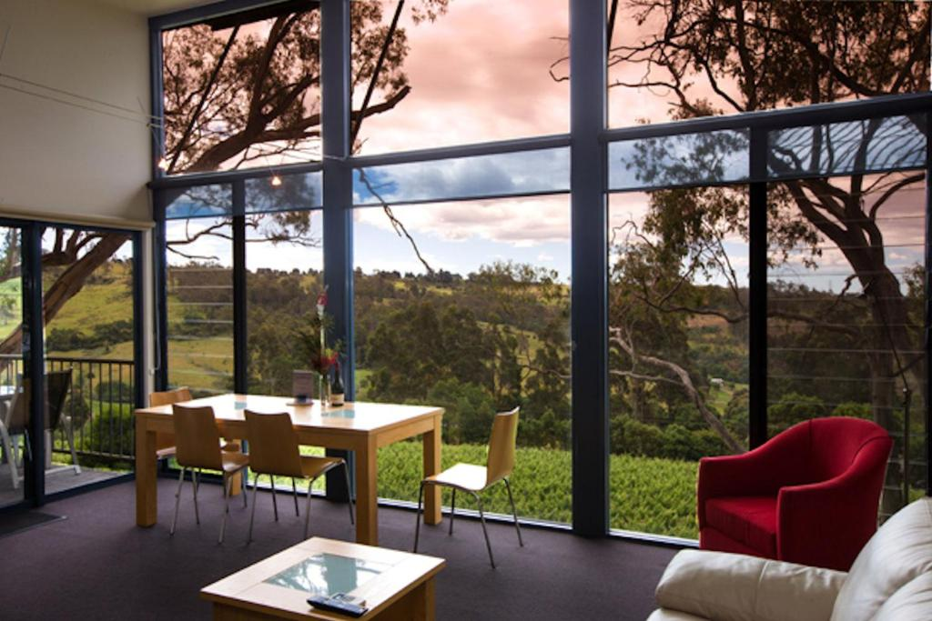 A restaurant or other place to eat at River Vineyard Retreat