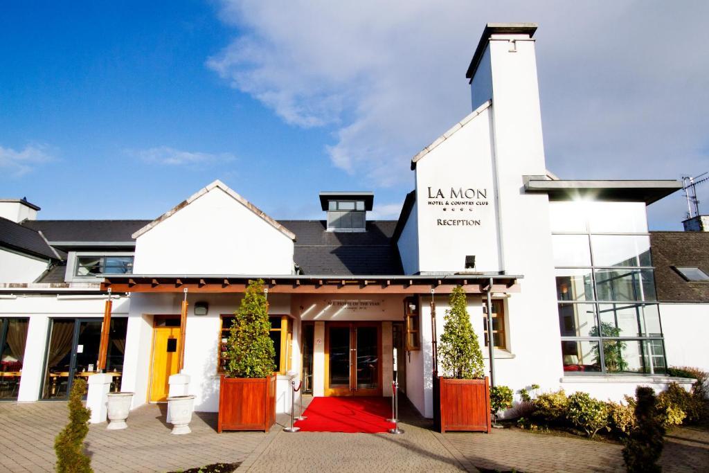 La Mon Hotel & Country Club - Laterooms