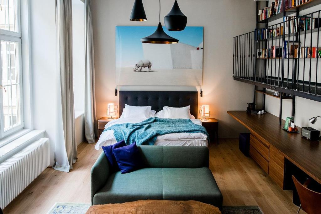 Cama o camas de una habitación en Small Luxury Hotel Altstadt Vienna