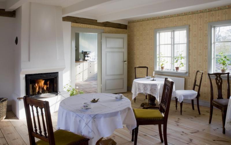 En restaurang eller annat matställe på Vildrosor & Höns