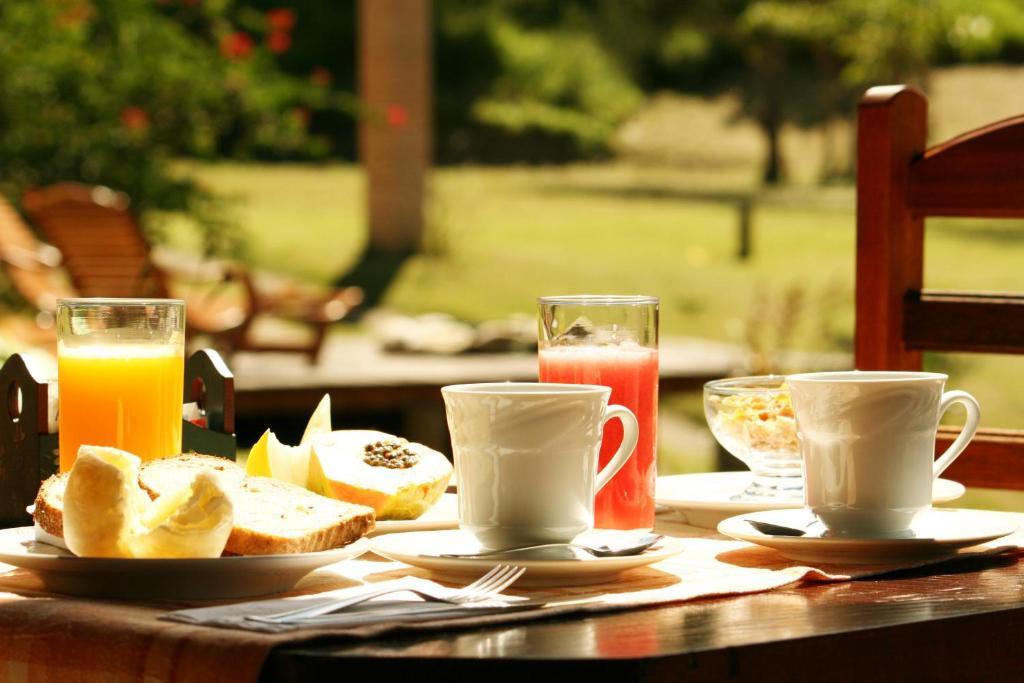 Opções de café da manhã disponíveis para hóspedes em Pousada Villa Campestre