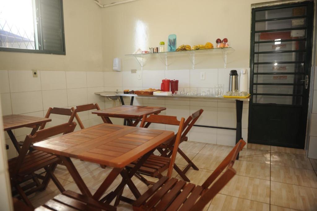 A kitchen or kitchenette at Hotel Bem Vindo