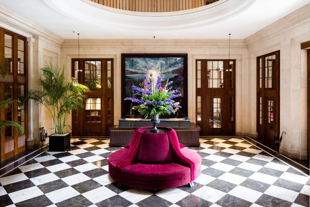 The lobby or reception area at Cheval The Edinburgh Grand